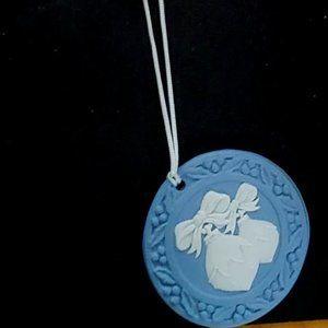 Wedgewood Jasperware Christmas Ornament Co…